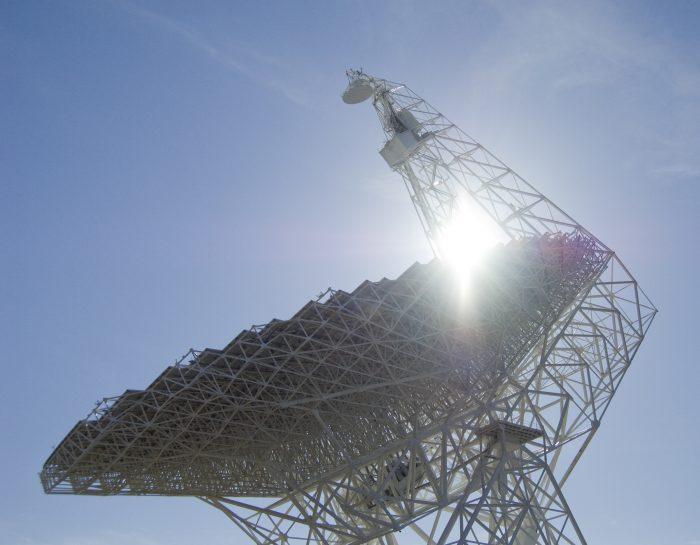 image of Green Bank Telescope with sunburst
