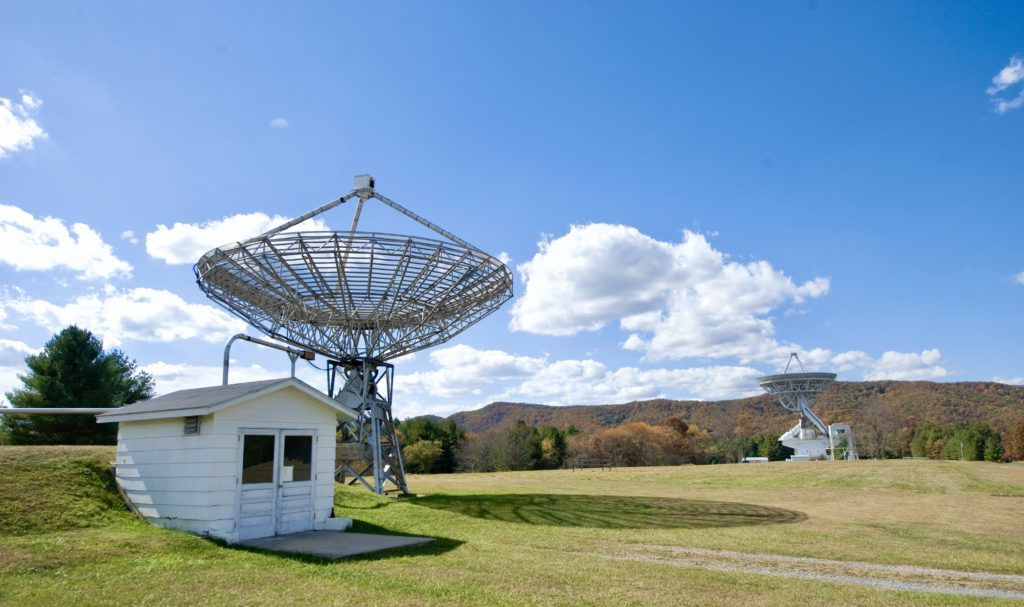 40 Foot educational telescope (foreground) and 140 Foot telescope. (GBO/AUI/NSF)